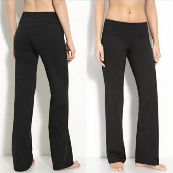 80635bdbe2 Zella Balance Fit Trim Leg Legging Black Size 4.  M_5ccb912f2eb33f3c343c4317. Other Pants ...